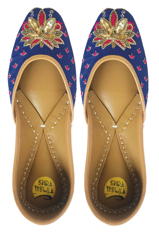 Tinsel Toes